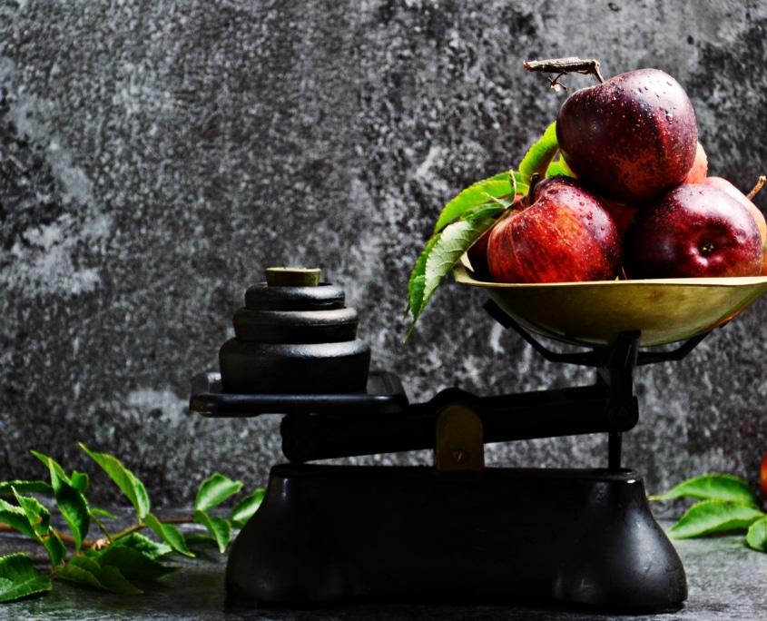weegschaal met fruit